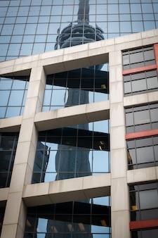 Здания и вид с воздуха на город торонто, канада, северная америка