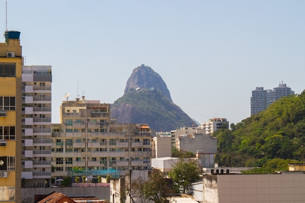 브라질 리우데자네이루의 보타포구 지역에 있는 건물들.