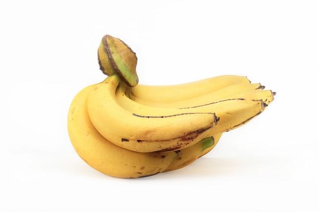 Гроздь бананов на белом фоне