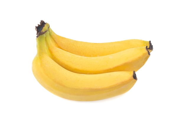 白い背景に分離されたバナナの束