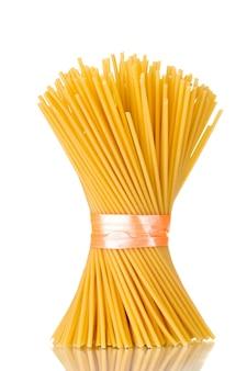 白のリボンとスパゲッティの束