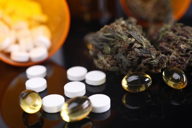 健康のための錠剤の束