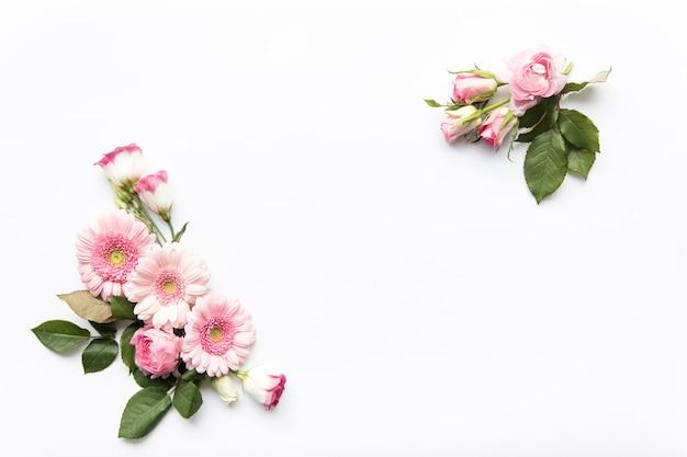 Букеты из розовых цветов