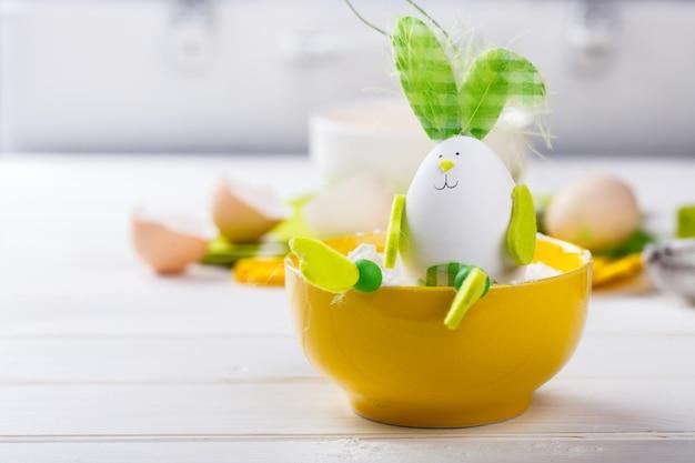 卵の装飾イースターbunny.selectiveフォーカス。