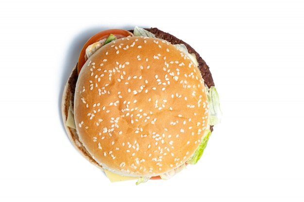 Взгляд сверху бургера на белом backgroundd.