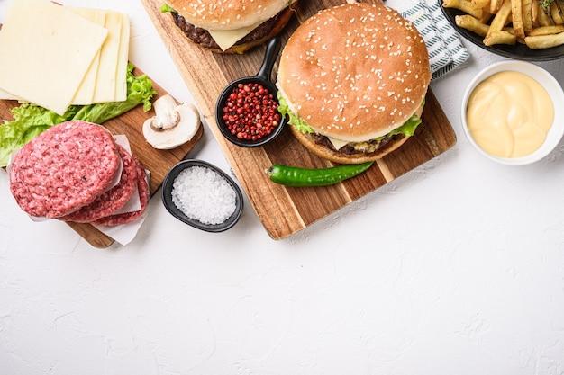 Бургер с ингредиентами с пространством для текста