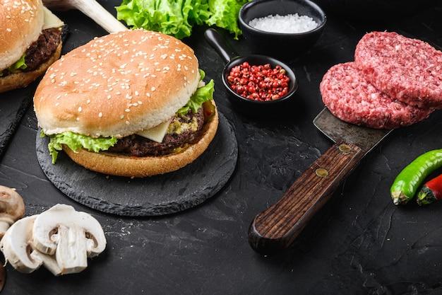 肉屋の包丁に肉とハンバーガー