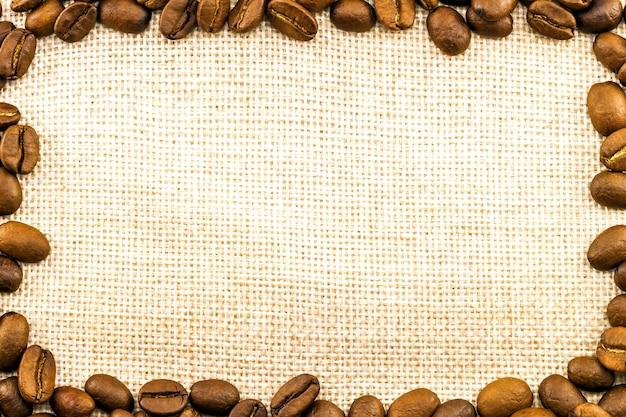 삼 베 자루 캔버스와 커피 콩 프레임