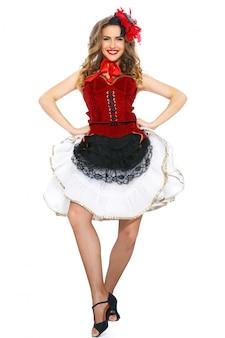 Бурлеск. привлекательная танцовщица на каблуках