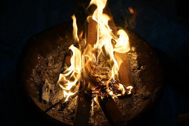 Горящий огонь изображения
