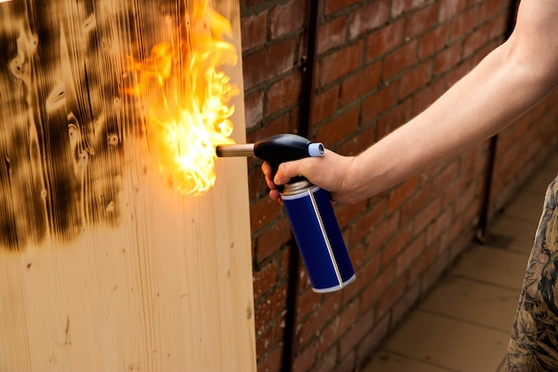 Сжигание дров газовой горелкой
