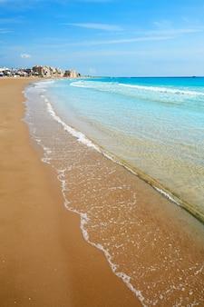 스페인 카스텔 론의 burriana 해변