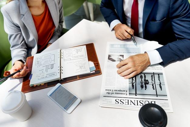 비즈니스 분석 동료 팀 아이디어 계획 개념