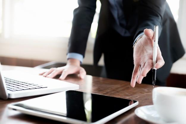 Analisi aziendale di pianificazione e soluzione di strategia obiettivo obiettivo.