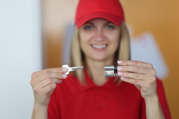 도어록의 안전한 개방 및 교체를위한 비즈니스 및 서비스.