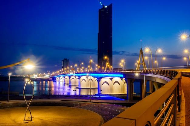 Business bay crossing bridge over the dubai creek