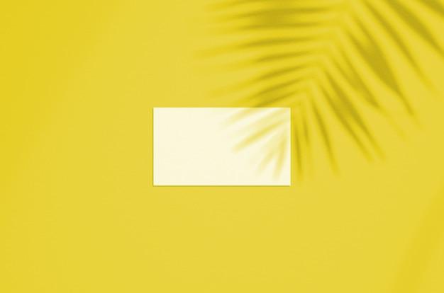 Визитная карточка мокап с подсветкой цвет года