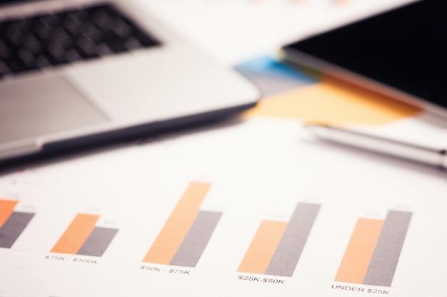 비즈니스 차트 및 금융 개념