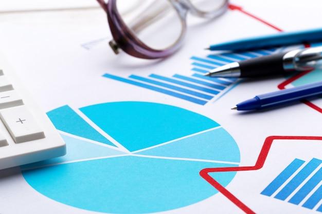 금융 성공을 보여주는 비즈니스 차트