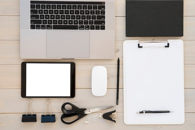 Assortimento di business desk laici piatta