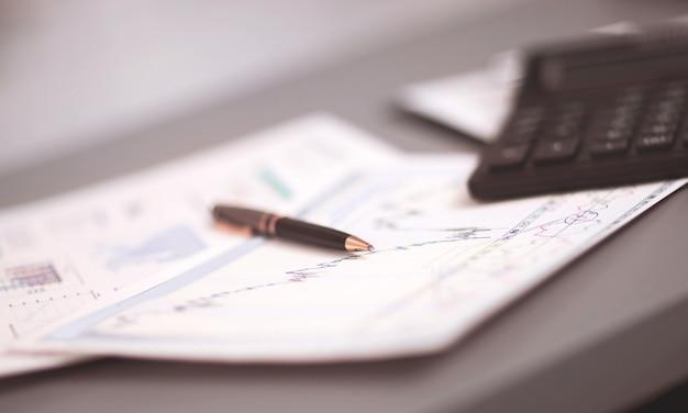 Отчет об анализе бизнес-графика на рабочем месте бухгалтерского учета бизнесмена