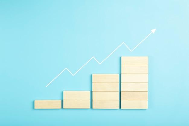 비즈니스 성장 개발 계획 개념 및 비즈니스 분석 배경 블록의 나무 단계...