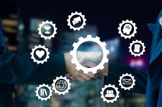 Иконка бизнес партнерство интерфейс виртуального экрана. деловой человек, пожимая руки концепции