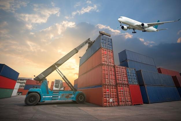 Logis용 container cargo 화물선의 business logistics concept map 글로벌 파트너 연결
