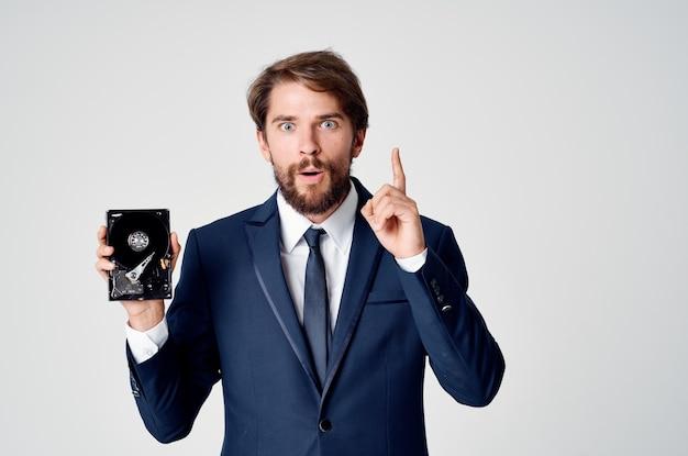 Деловой человек жесткий диск информационных офисных технологий