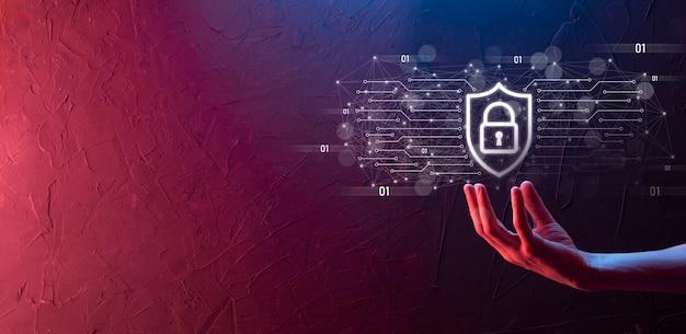 비즈니스 남자 Hiold, 사용, 커뮤니티 기술 디지털의 Infographic 아이콘을 누릅니다. 하이테크 및 빅 데이터의 개념입니다. 글로벌 연결.iot 사물 인터넷 . Ict 정보통신망 . 프리미엄 사진