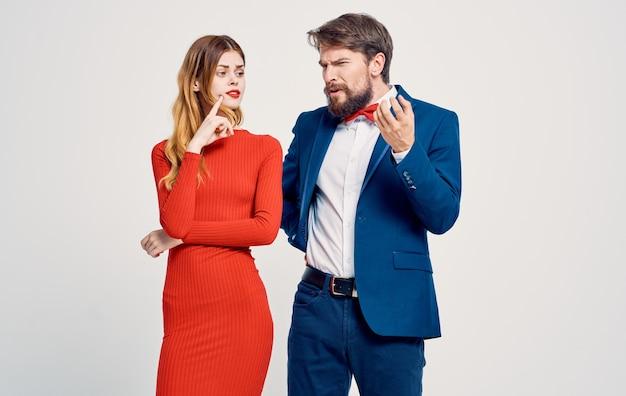 ビジネスの男性と女性の感情が魅力的な外観の豪華な家族のエレガントなスタイル