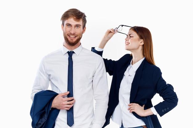 비즈니스 남성과 여성 금융 사무실 커뮤니케이션 스튜디오