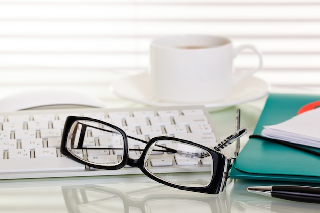 テーブルの構成で拡張されたbusiness objectsオフィス Premium写真