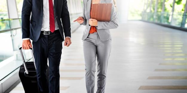 ビジネスマン通勤ウォーキングシティライフコンセプト