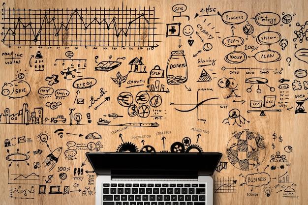 オフィスデスクに描く事業計画