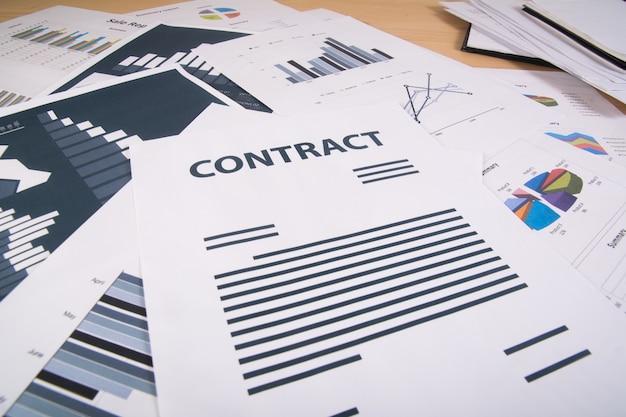 Бизнес-отчет. графики и диаграммы. концепция бизнеса.
