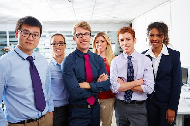 비즈니스 팀 젊은 사람들이 다중 민족적인 서
