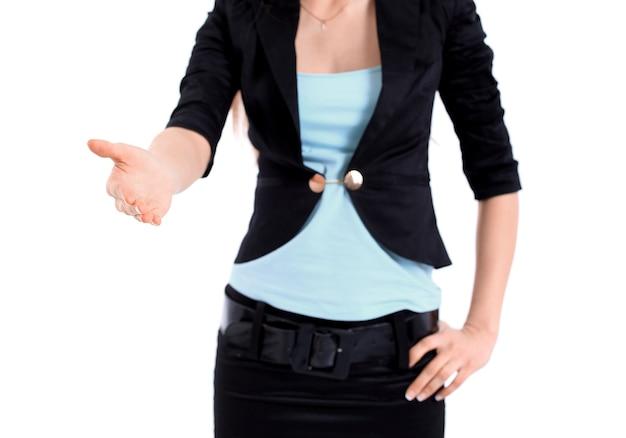 Деловая женщина дает рукопожатие, изолированные на белом фоне