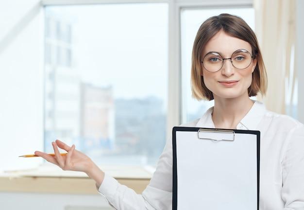 ビジネスウーマン秘書室ジョブマネージャー。高品質の写真