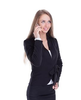 그녀의 스마트폰에 대 한 얘기 하는 비즈니스 여자. 흰색 배경에 고립