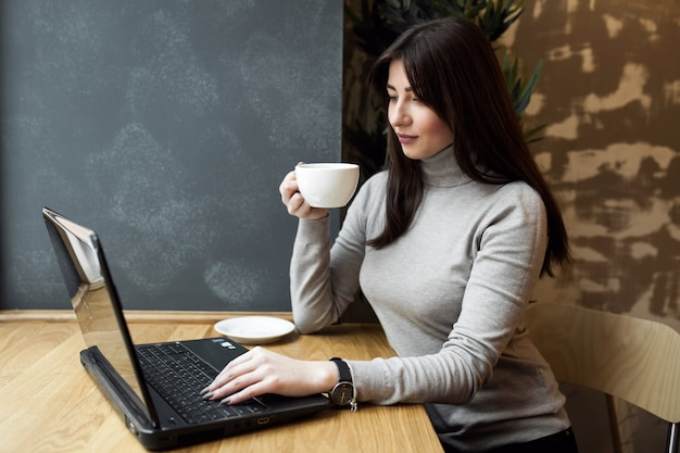 Business woman using working internet