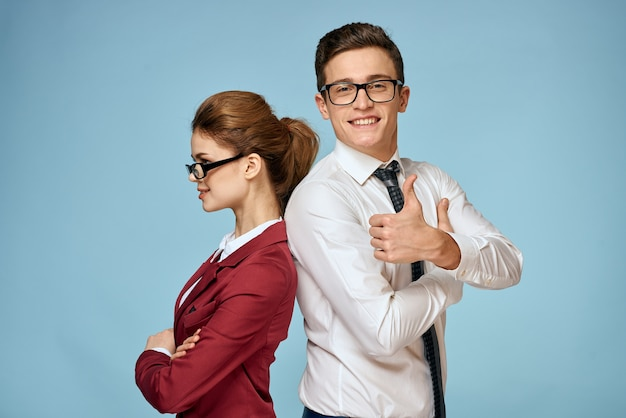ビジネス若いカップルの役人オフィスチームオフィスブルー
