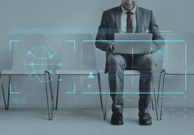 글로벌 통신망과 연결된 사업가
