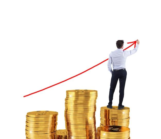 ビジネスマンは会社の統計の赤い成長矢印を描画します