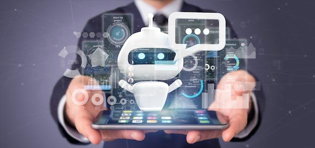 Бизнесмен держа chatbot с двоичным кодом, сообщением и данными
