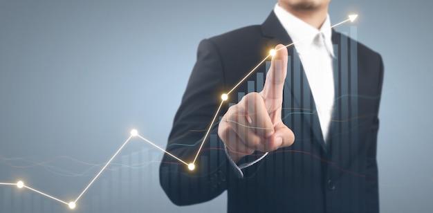 사업가 계획 그래프 성장 및 차트 긍정적인 지표의 증가