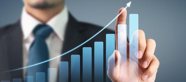 사업 계획 그래프 성장과 그의 사업에서 차트 긍정적 인 지표의 증가