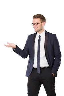 手ジェスチャーを提示する実業家