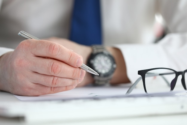 Businessman sign contract. business education concept