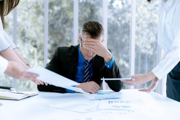 Бизнесмен подчеркнул, что проблемы работы и потери прибыли